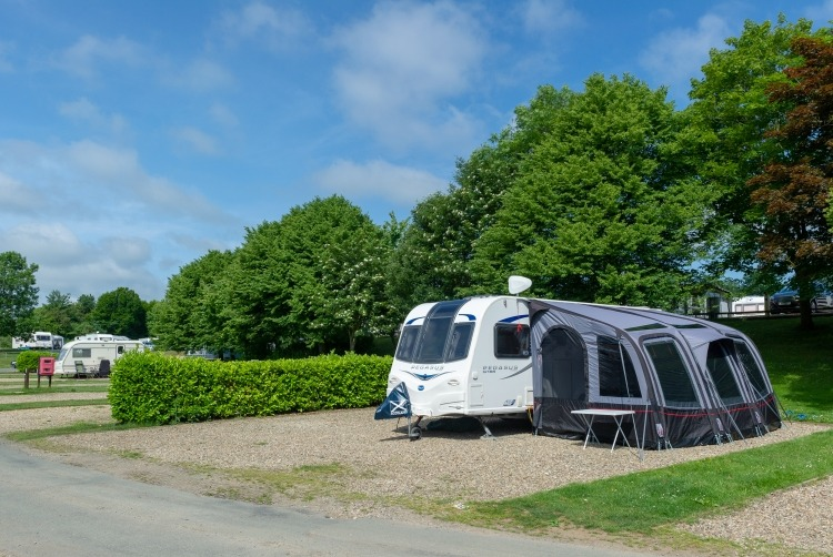 picture_of_st_helens_caravan_and_tent